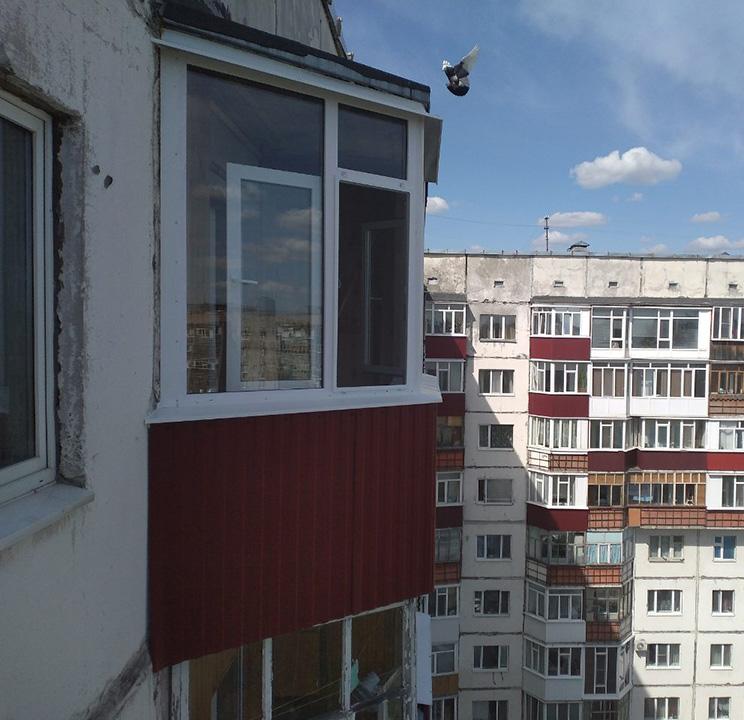 Остекление балконов Студенческая 11 После установки рамы Вид сбоку